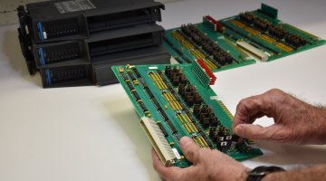 Giddings & Lewis PLC Repair | Precision Electronic Services, Inc