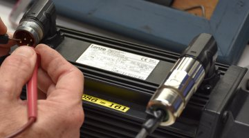 Quality Lenze Servo Motor Repair and Testing | Precision Electronic Services, Inc.